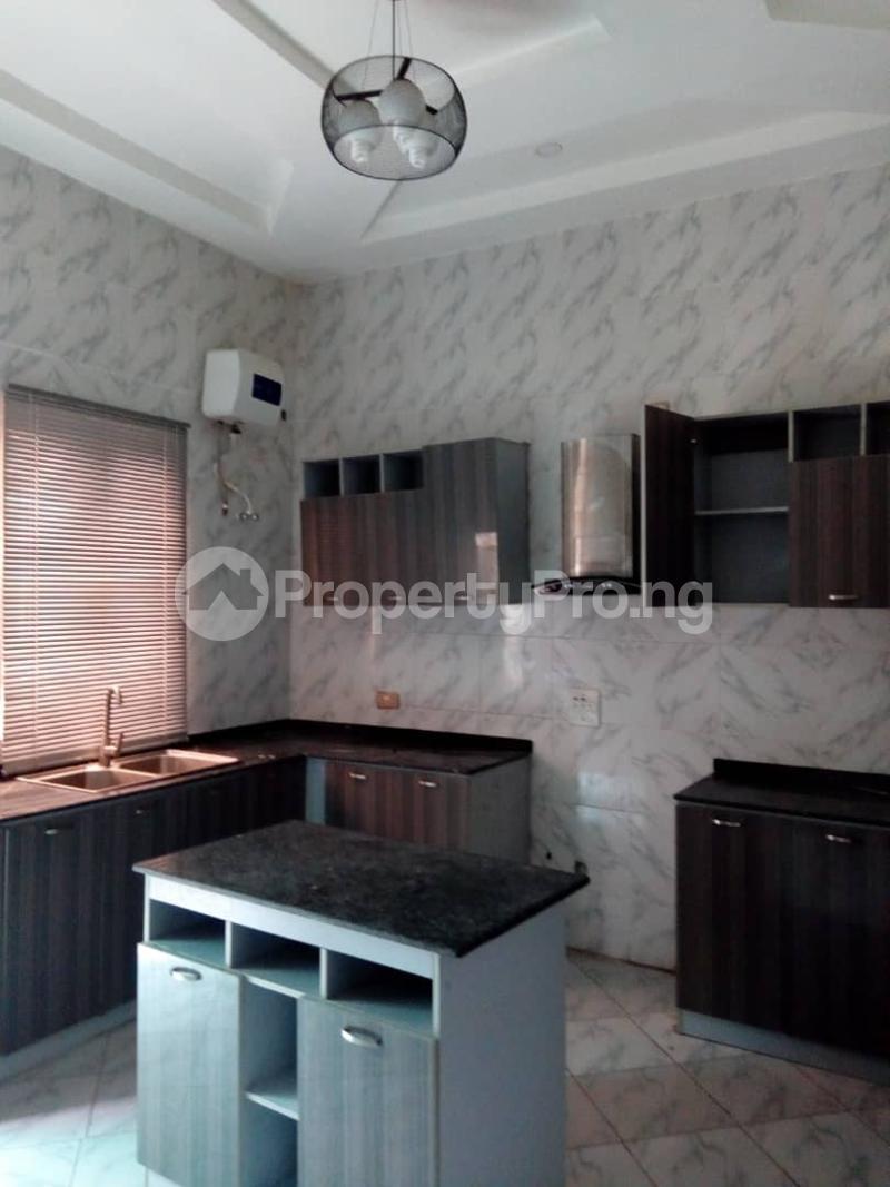 3 bedroom Terraced Bungalow House for sale Divine home off Thomas Estates. Thomas estate Ajah Lagos - 13