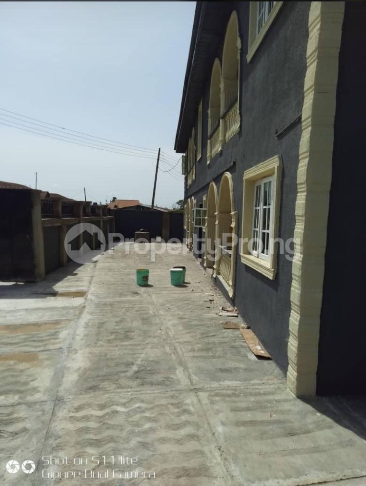 3 bedroom Blocks of Flats House for rent Elewuro Akobo Ibadan Oyo - 1