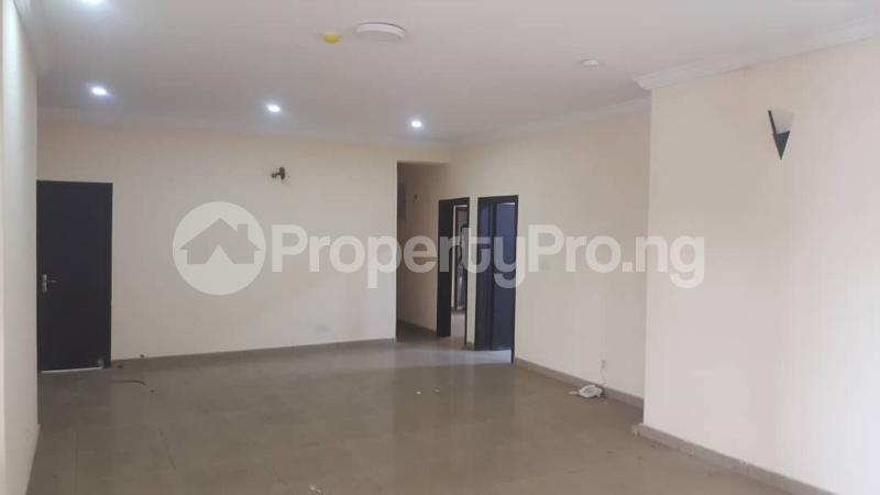 3 bedroom Flat / Apartment for rent  off Adekayode Street, ArowojobeEstate Mende Maryland Lagos - 2
