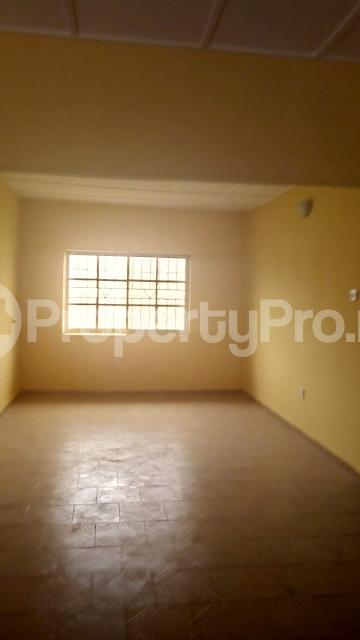 3 bedroom Flat / Apartment for rent chiveta avenue Ajao Estate Isolo Lagos - 3