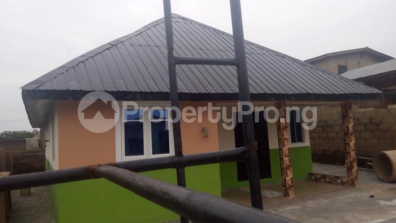 3 bedroom Detached Bungalow House for sale isebo olosan road Alakia Ibadan Oyo - 11