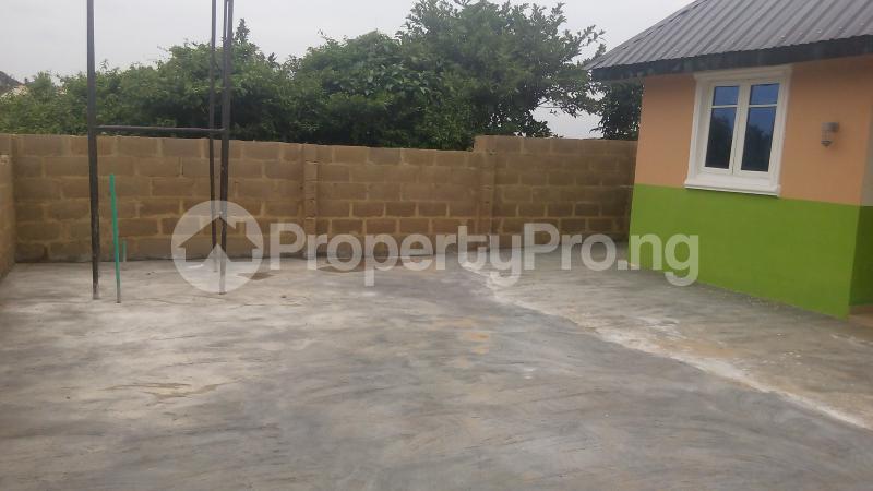 3 bedroom Detached Bungalow House for sale isebo olosan road Alakia Ibadan Oyo - 15