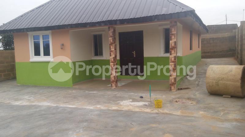 3 bedroom Detached Bungalow House for sale isebo olosan road Alakia Ibadan Oyo - 16