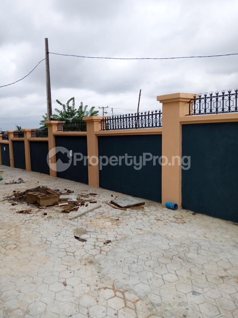 3 bedroom Blocks of Flats House for rent Elewure Akala Express Ibadan Oyo - 4