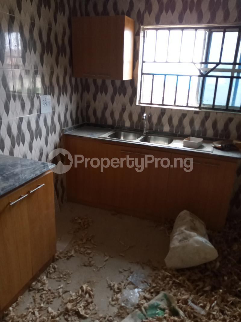 3 bedroom Blocks of Flats House for rent Ireakari estate Akala Express Ibadan Oyo - 4