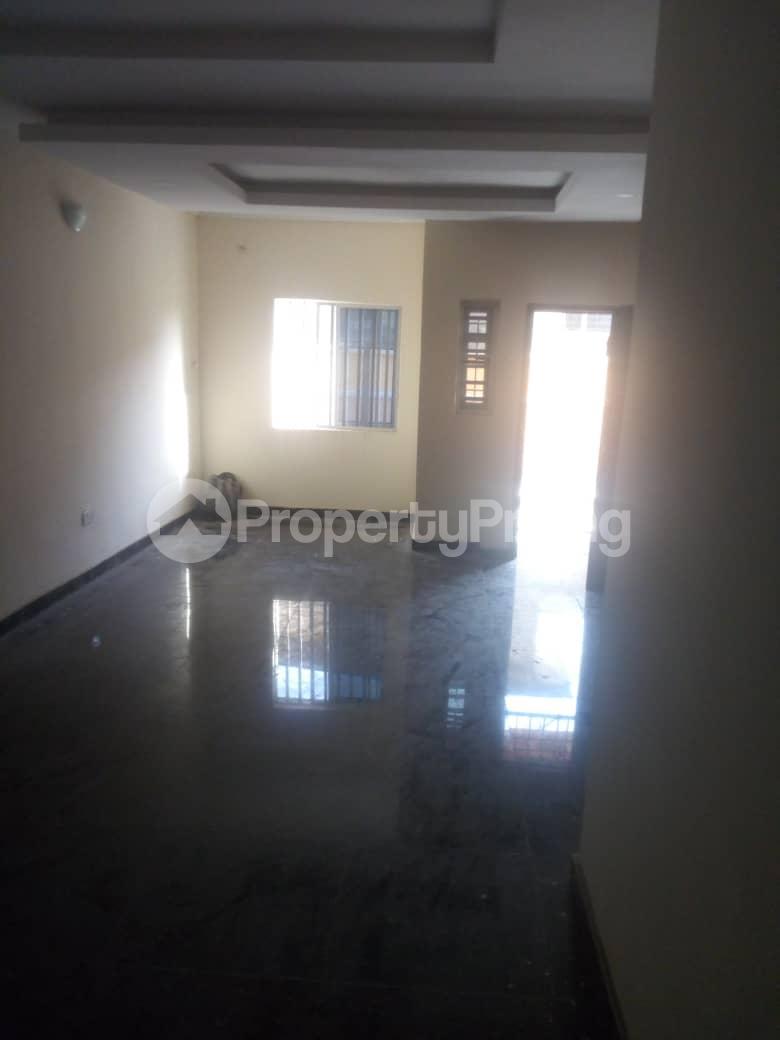 3 bedroom Flat / Apartment for sale Frankline estate Alaka/Iponri Surulere Lagos - 5