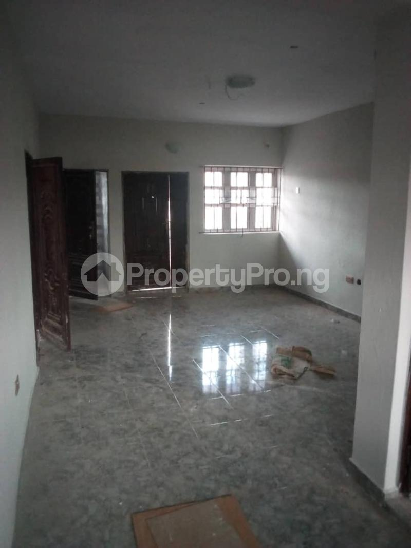 3 bedroom Flat / Apartment for rent balogun street Shomolu Shomolu Lagos - 3