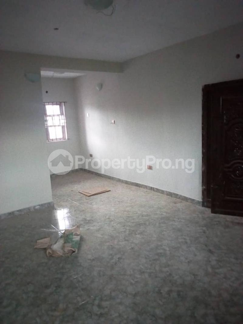 3 bedroom Flat / Apartment for rent balogun street Shomolu Shomolu Lagos - 4