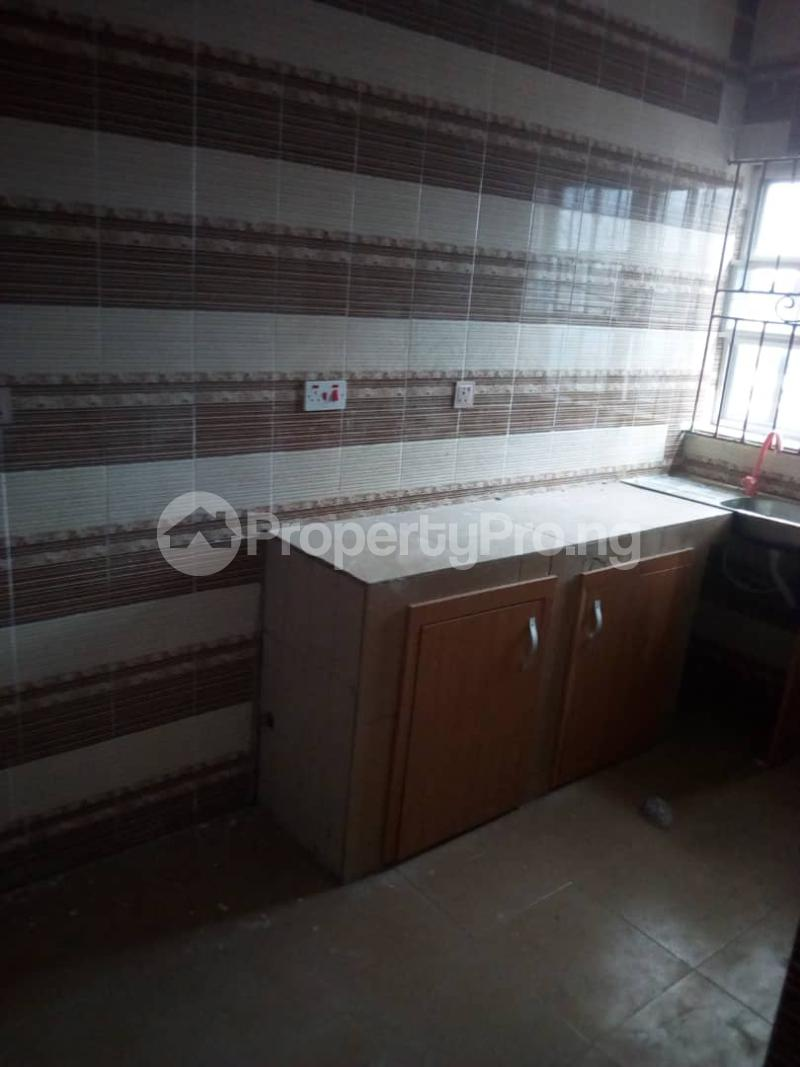 3 bedroom Flat / Apartment for rent balogun street Shomolu Shomolu Lagos - 6