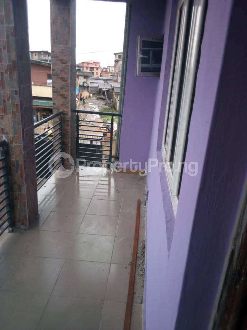 3 bedroom Flat / Apartment for rent balogun street Shomolu Shomolu Lagos - 2