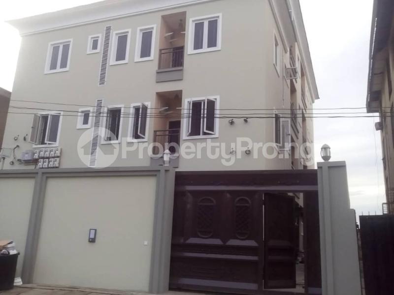 3 bedroom Flat / Apartment for rent off  Ogunlana Surulere Lagos - 0