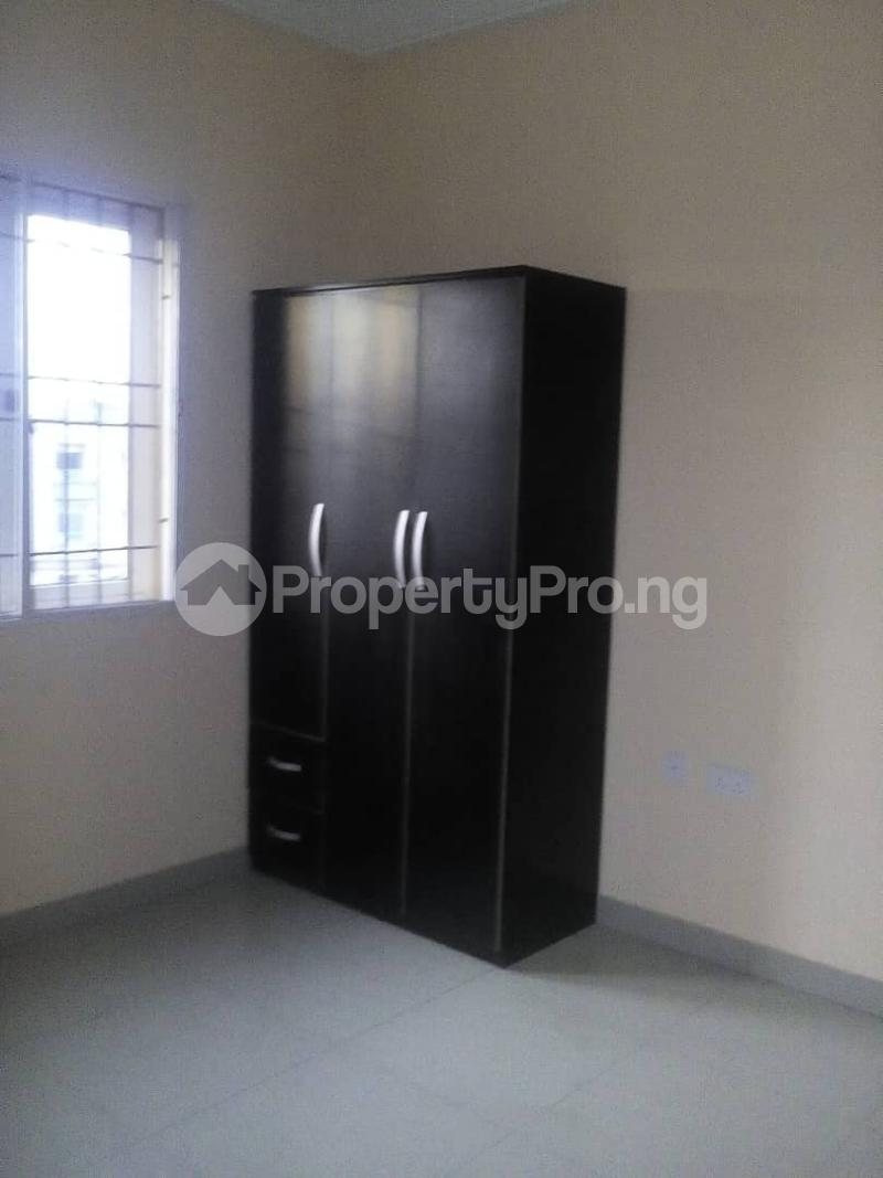 3 bedroom Flat / Apartment for rent off  Ogunlana Surulere Lagos - 3