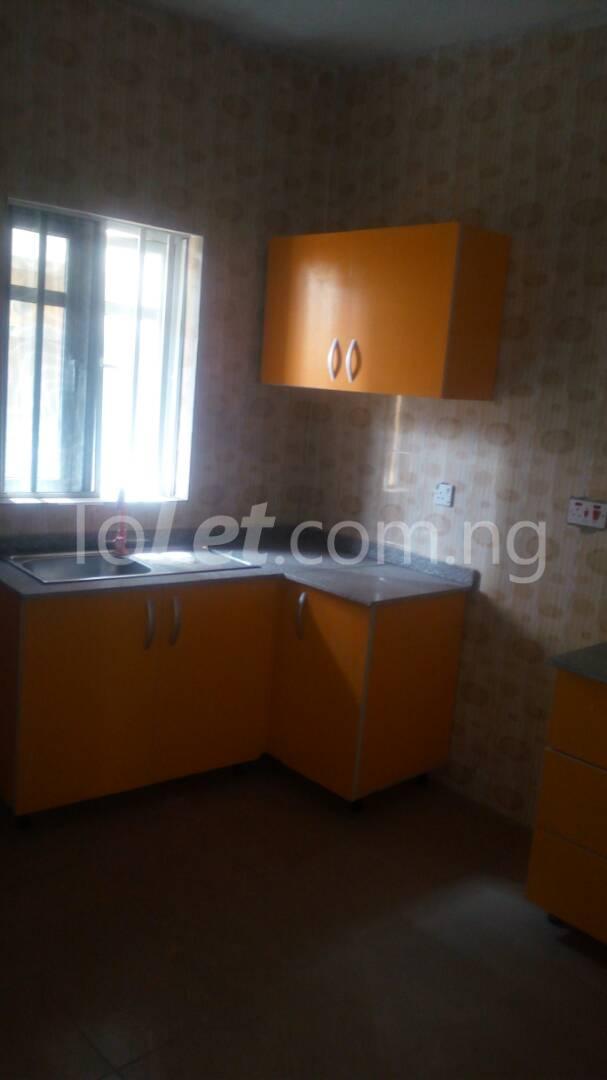 4 bedroom House for sale by olufemi Ogunlana Surulere Lagos - 4