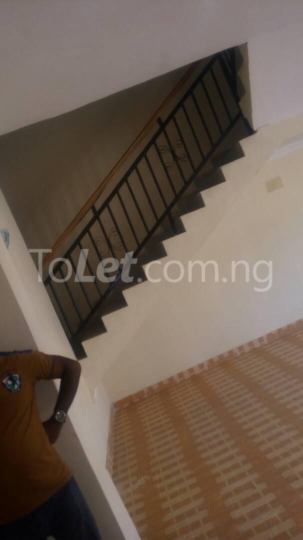 4 bedroom House for sale by olufemi Ogunlana Surulere Lagos - 11
