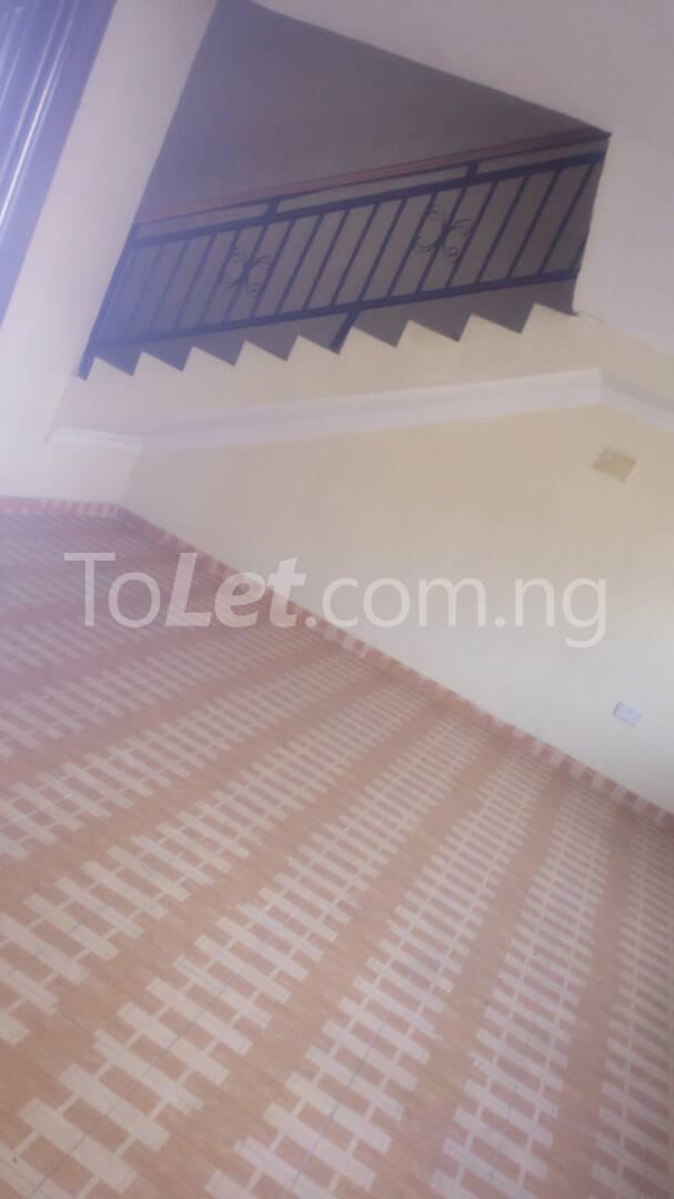 4 bedroom House for sale by olufemi Ogunlana Surulere Lagos - 10