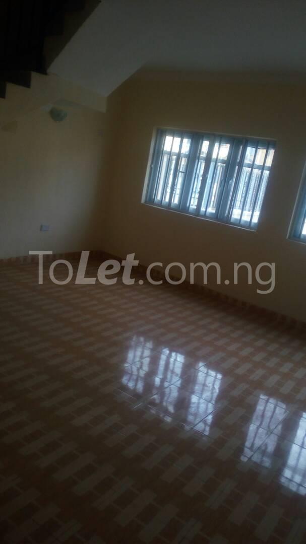 4 bedroom House for sale by olufemi Ogunlana Surulere Lagos - 13