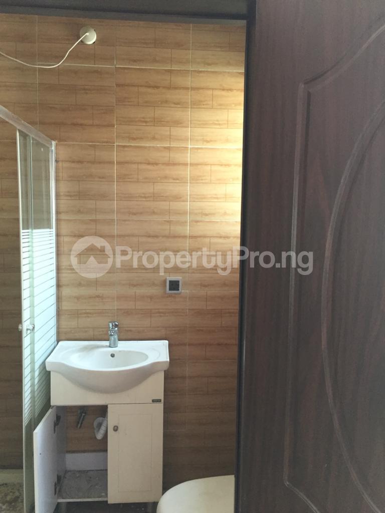 4 bedroom Shared Apartment Flat / Apartment for rent ocean breeze estate Ologolo Lekki Lagos - 4