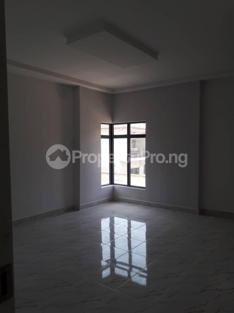 4 bedroom Semi Detached Duplex House for sale Behind Prime water gardens freedom way Lekki Phase 1 Lekki Lagos - 8