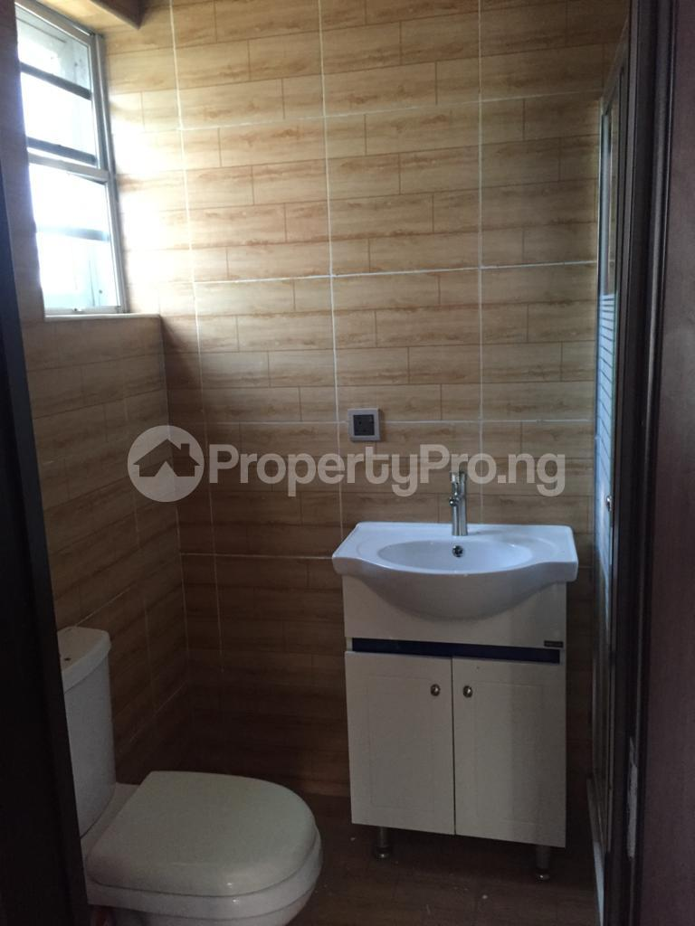 4 bedroom Flat / Apartment for rent Ocean Breeze Estate Ologolo Lekki Lagos - 3