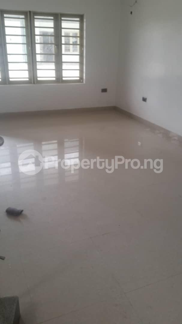 4 bedroom Terraced Duplex House for rent Bethel Estate Iponri  Iponri Surulere Lagos - 17