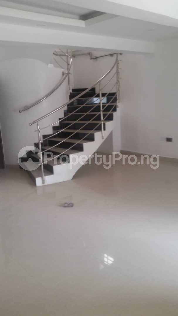 4 bedroom Terraced Duplex House for rent Bethel Estate Iponri  Iponri Surulere Lagos - 19