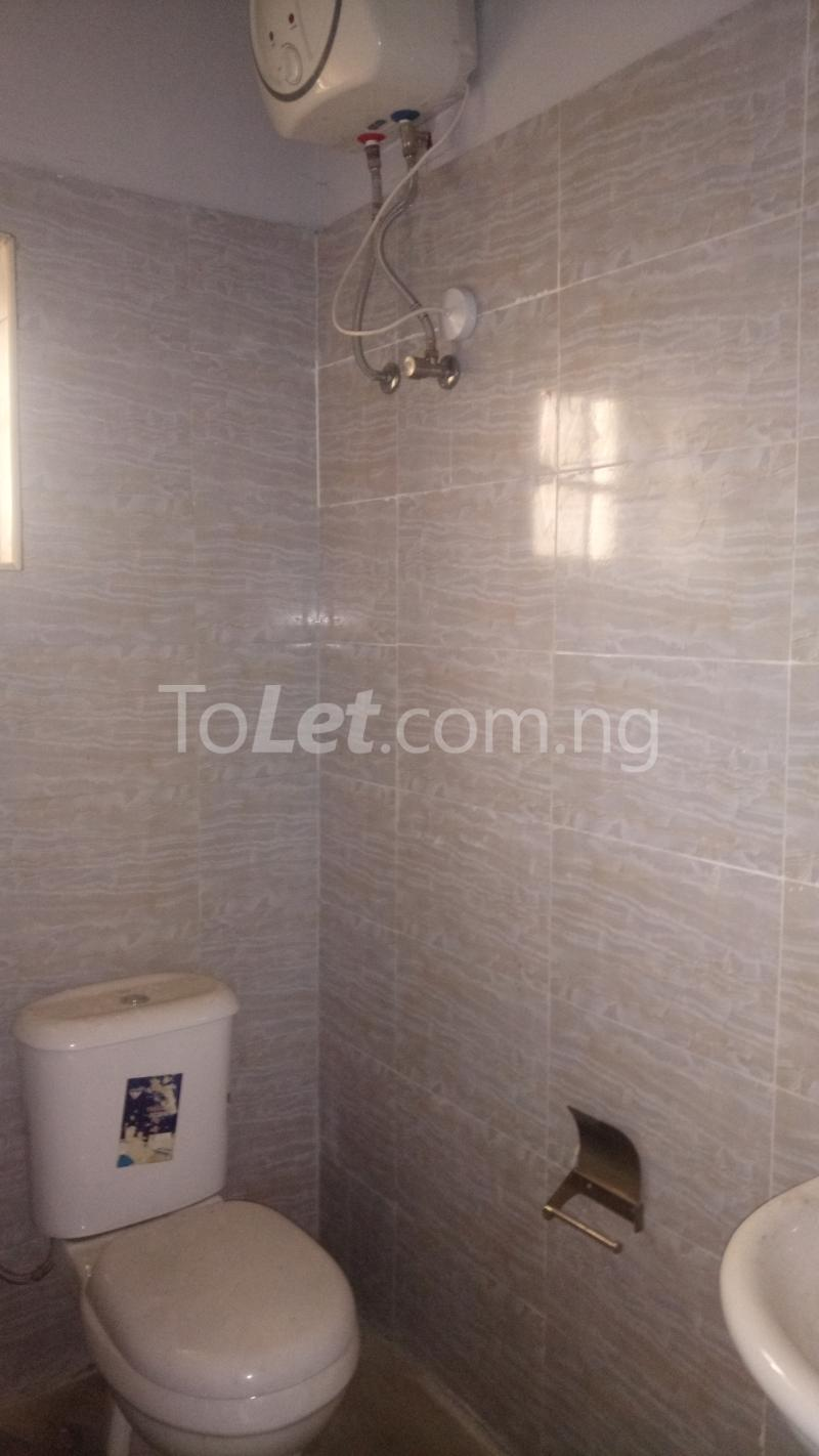 3 bedroom Flat / Apartment for sale By Hughes Avenue ( Close to Sweet Sensation)  Alagomeji Yaba Lagos - 10