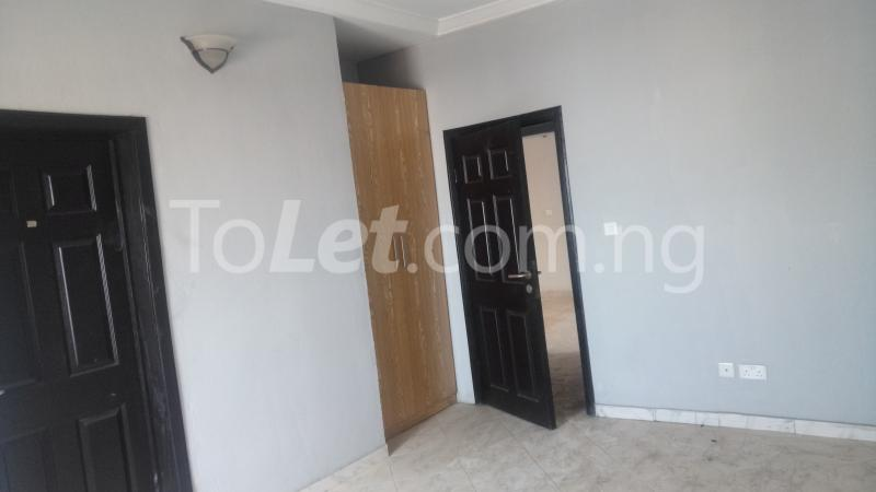 3 bedroom Flat / Apartment for sale By Hughes Avenue ( Close to Sweet Sensation)  Alagomeji Yaba Lagos - 6
