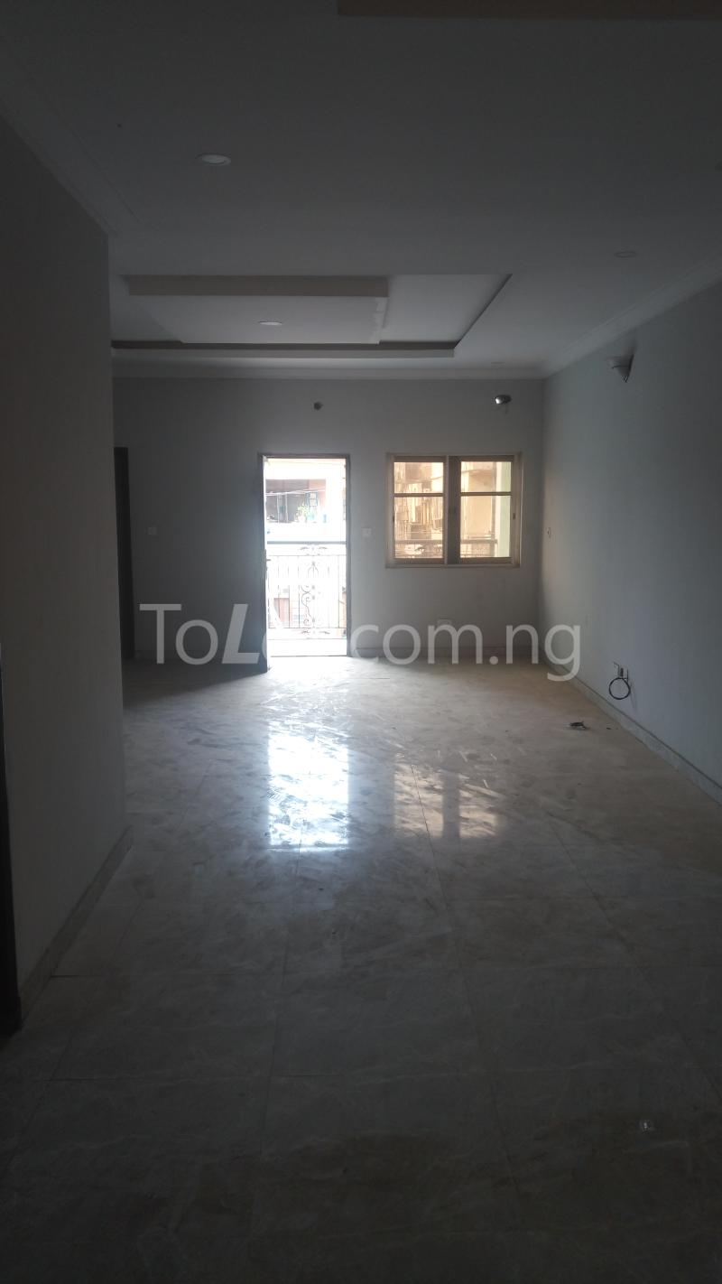 3 bedroom Flat / Apartment for sale By Hughes Avenue ( Close to Sweet Sensation)  Alagomeji Yaba Lagos - 7