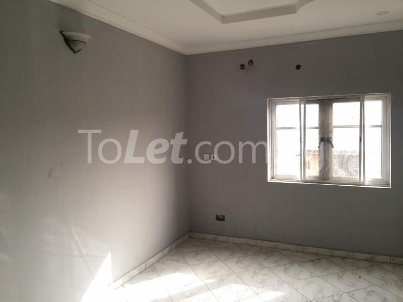 3 bedroom Flat / Apartment for rent Hughes Avenue Alagomeji Yaba Lagos - 7