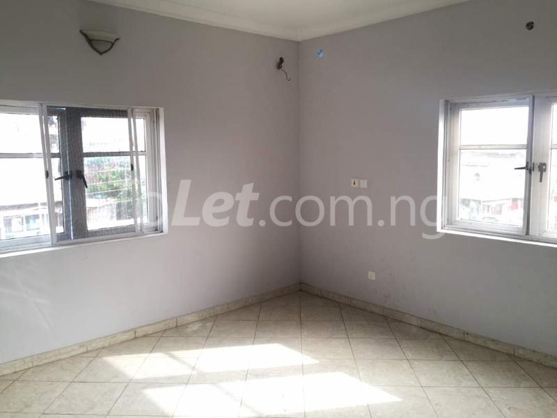 3 bedroom Flat / Apartment for rent Hughes Avenue Alagomeji Yaba Lagos - 10