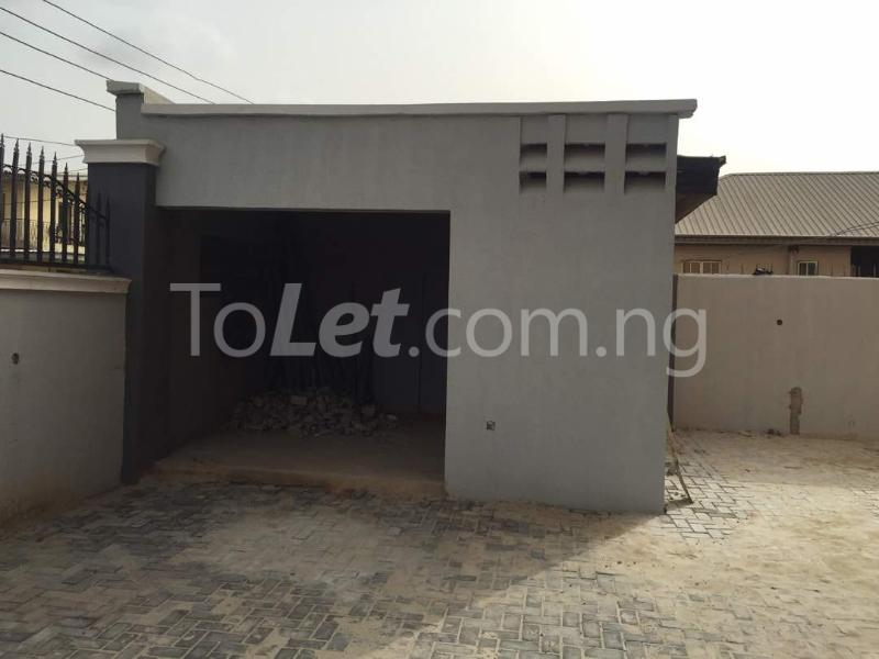 3 bedroom Flat / Apartment for rent Hughes Avenue Alagomeji Yaba Lagos - 12