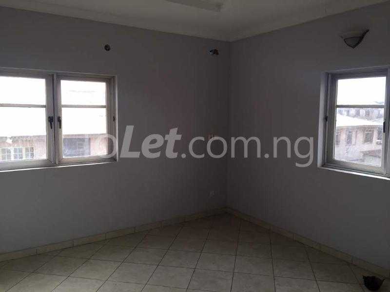 3 bedroom Flat / Apartment for rent Hughes Avenue Alagomeji Yaba Lagos - 8