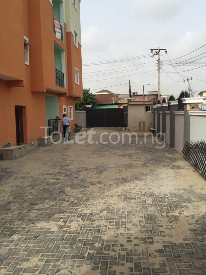 3 bedroom Flat / Apartment for rent Hughes Avenue Alagomeji Yaba Lagos - 11