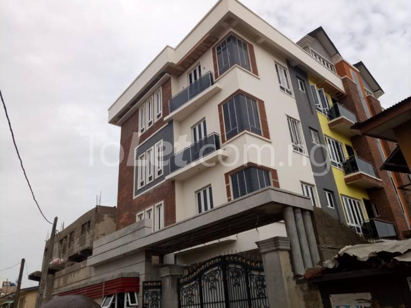 3 bedroom Flat / Apartment for rent - Alagomeji Yaba Lagos - 0
