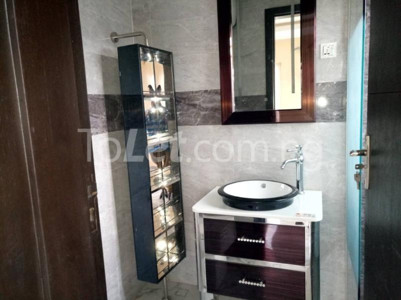 3 bedroom Flat / Apartment for rent - Alagomeji Yaba Lagos - 14