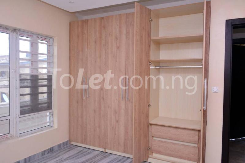 3 bedroom Flat / Apartment for rent - Alagomeji Yaba Lagos - 10