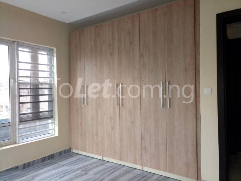3 bedroom Flat / Apartment for rent - Alagomeji Yaba Lagos - 11