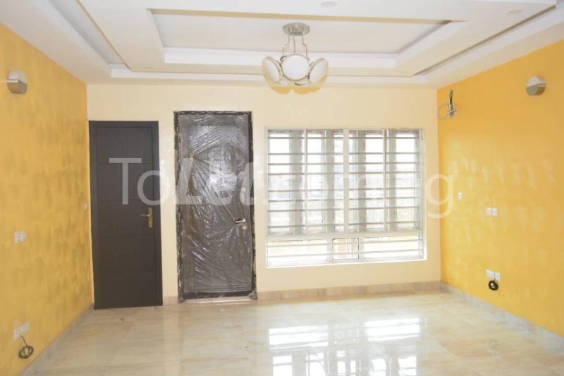 3 bedroom Flat / Apartment for rent - Alagomeji Yaba Lagos - 2