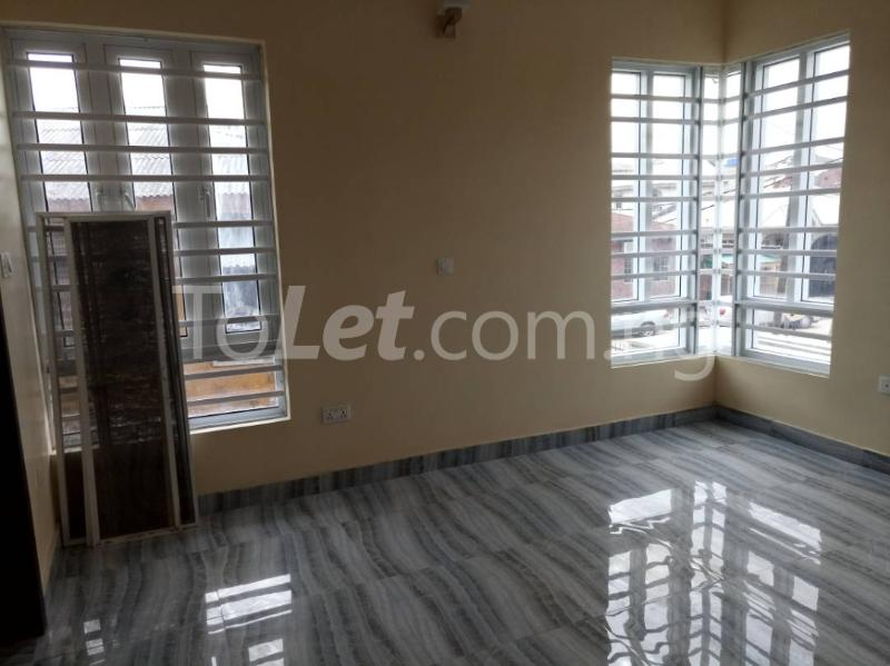 3 bedroom Flat / Apartment for rent - Alagomeji Yaba Lagos - 13