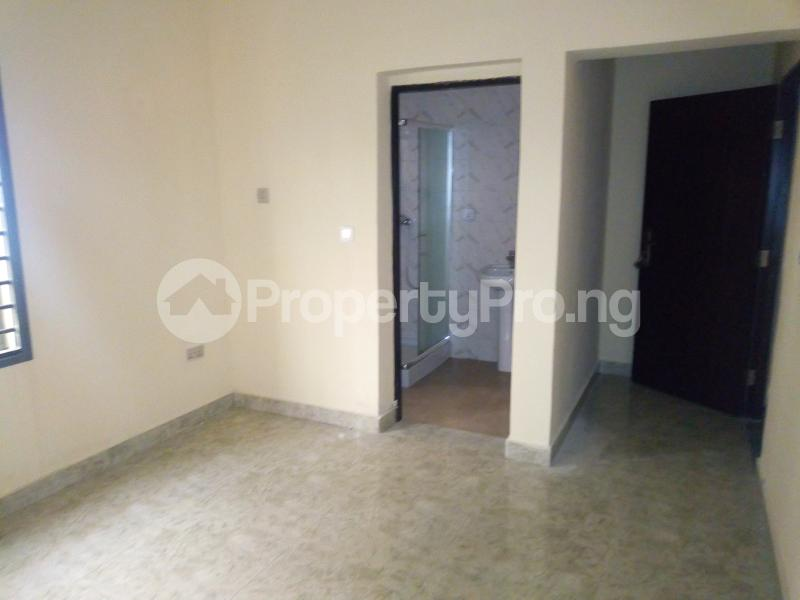 2 bedroom Flat / Apartment for rent Along stella marris school Durumi Abuja - 3