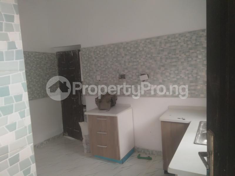 2 bedroom Flat / Apartment for rent On a tarred road jakande lekki Jakande Lekki Lagos - 10