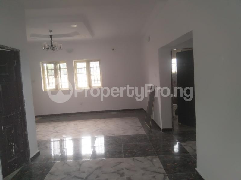 2 bedroom Flat / Apartment for rent On a tarred road jakande lekki Jakande Lekki Lagos - 8