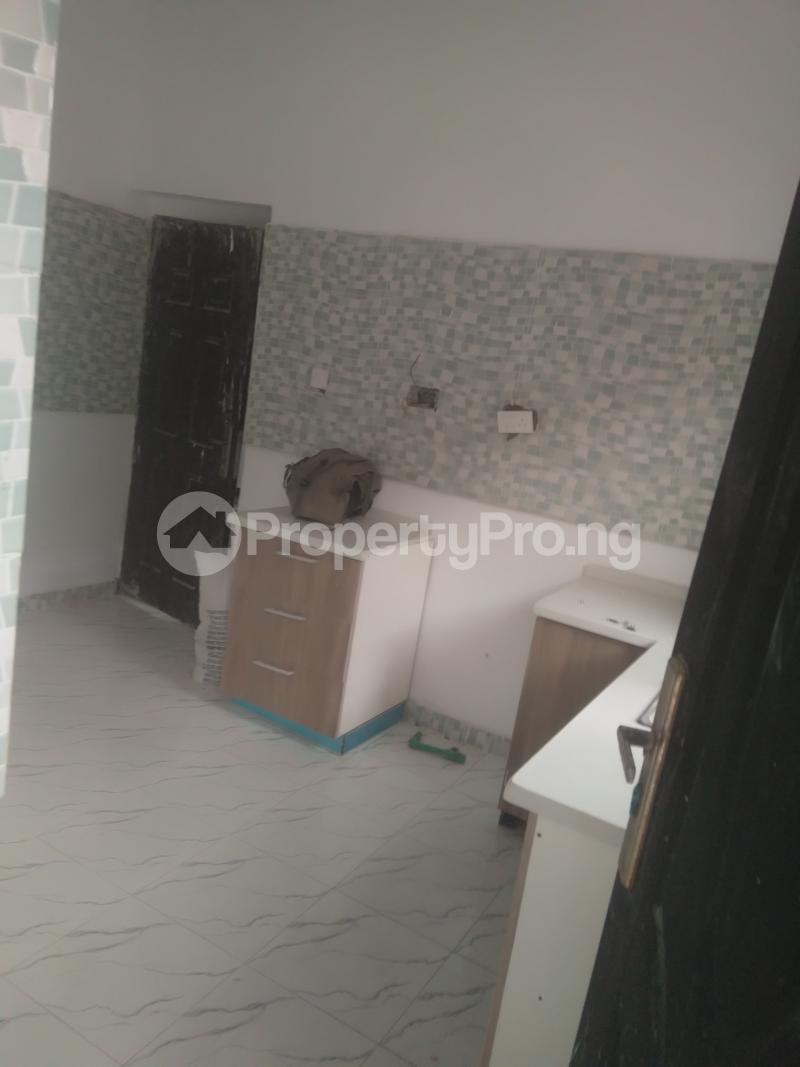 2 bedroom Flat / Apartment for rent On a tarred road jakande lekki Jakande Lekki Lagos - 9