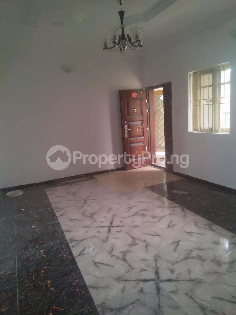 2 bedroom Flat / Apartment for rent On a tarred road jakande lekki Jakande Lekki Lagos - 0