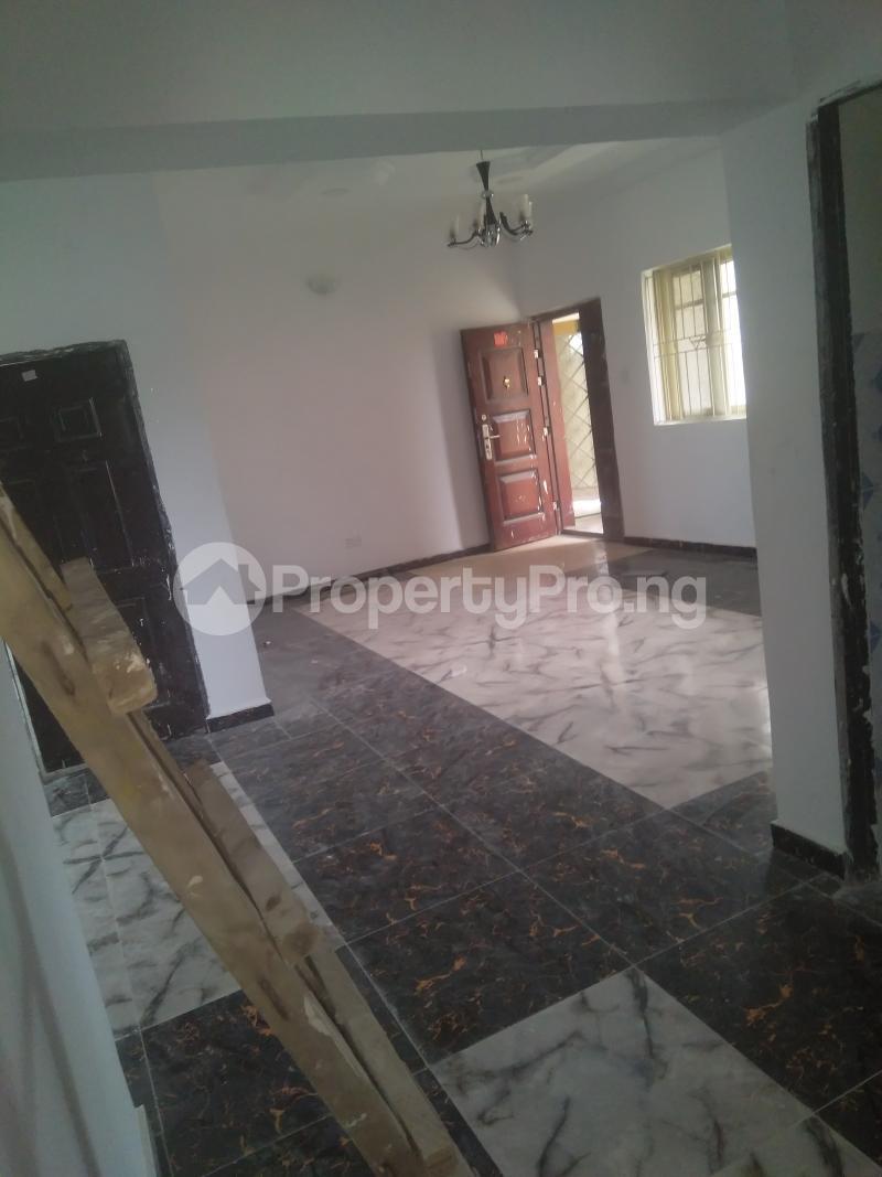 2 bedroom Flat / Apartment for rent On a tarred road jakande lekki Jakande Lekki Lagos - 1