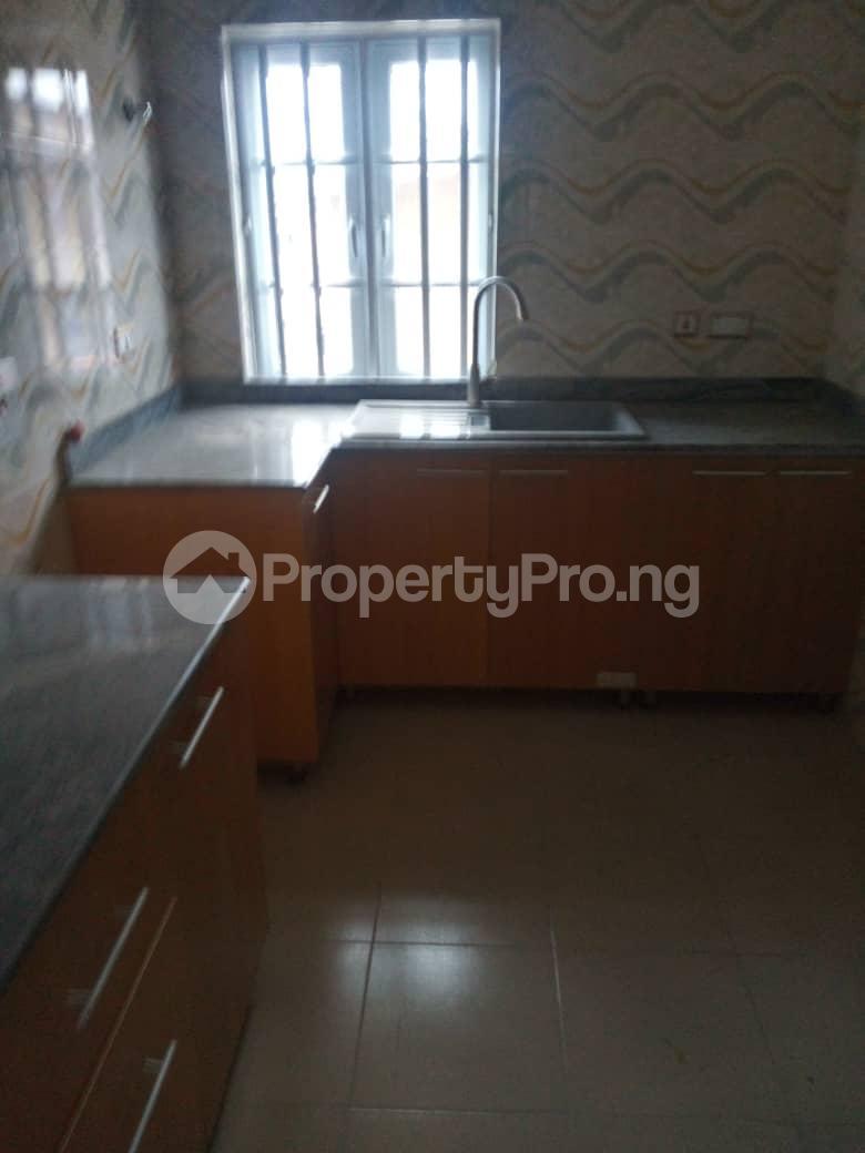 2 bedroom Flat / Apartment for rent Off Odo Olowu Street  Ijesha Surulere Lagos - 14