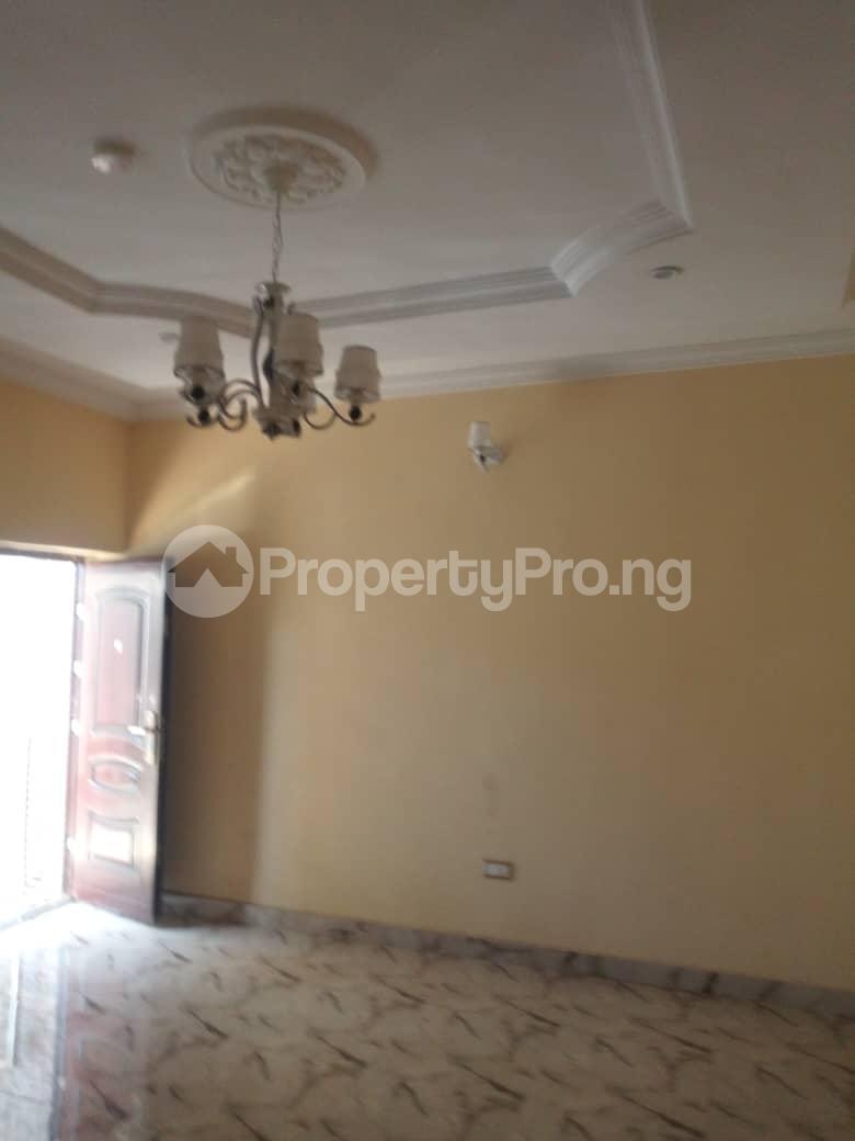 2 bedroom Flat / Apartment for rent Off Odo Olowu Street  Ijesha Surulere Lagos - 11