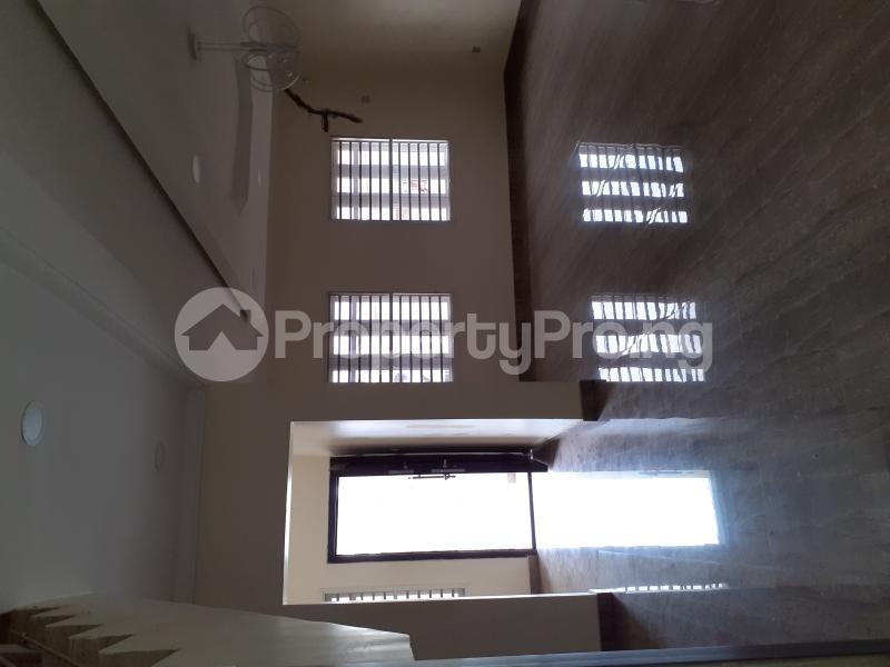 4 bedroom Semi Detached Duplex House for sale Ologolo Estate Ologolo Lekki Lagos - 25