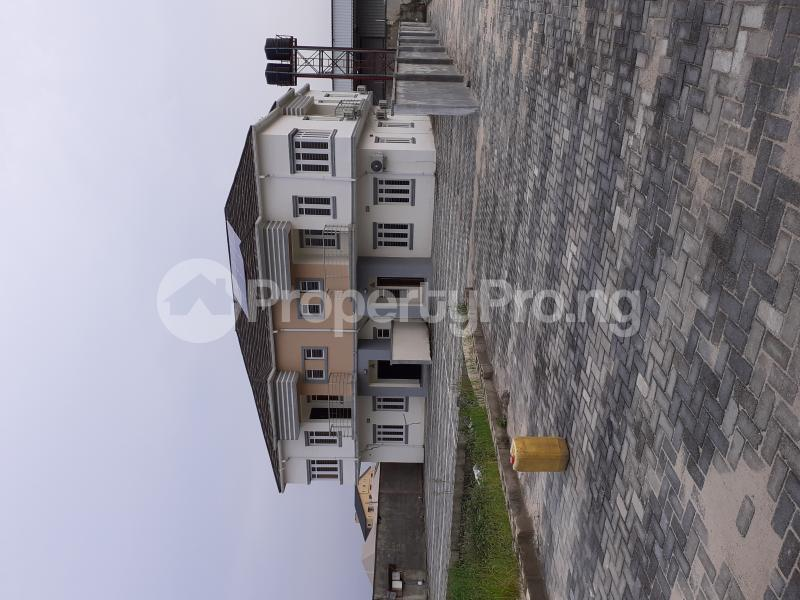 4 bedroom Semi Detached Duplex House for sale Ologolo Estate Ologolo Lekki Lagos - 12