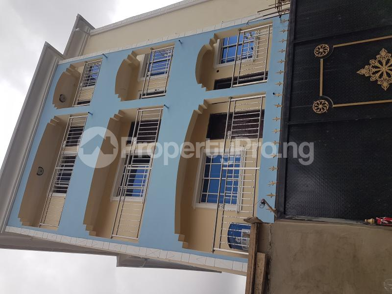 1 bedroom mini flat  Mini flat Flat / Apartment for rent Off Cole Street by Olufemi Street  Ogunlana Surulere Lagos - 14